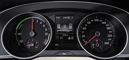 2015 Volkswagen Passat GTE 19