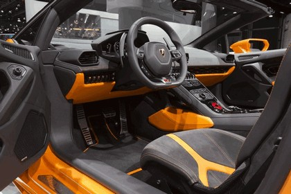 2015 Lamborghini Huracán LP 610-4 spyder 32