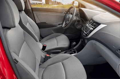 2016 Hyundai Accent 11