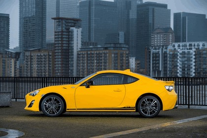 2015 Toyota GT86 Limited Edition Giallo 8