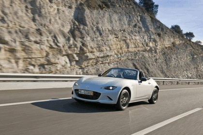 2015 Mazda MX-5 - UK version 4