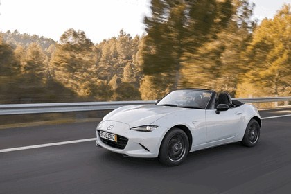 2015 Mazda MX-5 - UK version 5