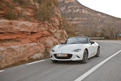 2015 Mazda MX-5 - UK version 6