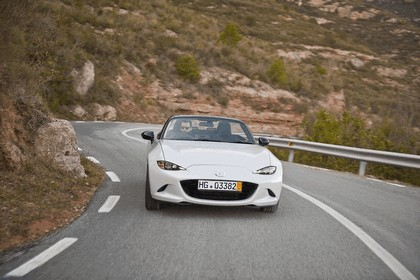 2015 Mazda MX-5 - UK version 9