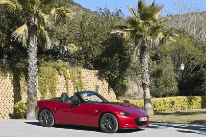 2015 Mazda MX-5 - UK version 17