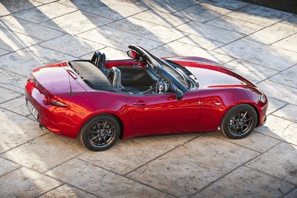 2015 Mazda MX-5 - UK version 24