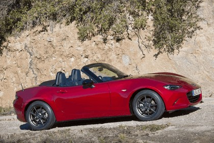 2015 Mazda MX-5 - UK version 27