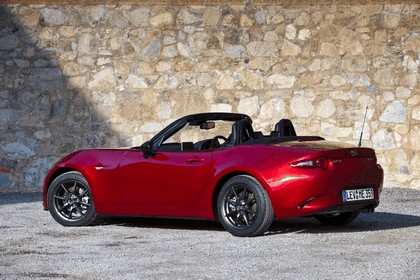 2015 Mazda MX-5 - UK version 28