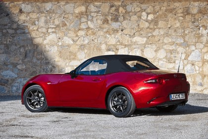 2015 Mazda MX-5 - UK version 29
