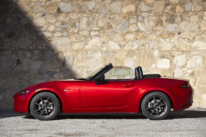 2015 Mazda MX-5 - UK version 32