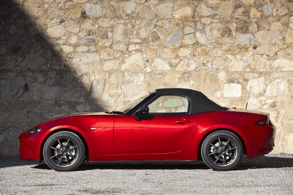 2015 Mazda MX-5 - UK version 36
