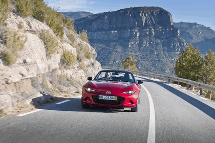 2015 Mazda MX-5 - UK version 40