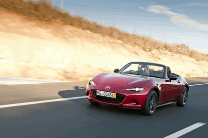 2015 Mazda MX-5 - UK version 41