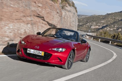 2015 Mazda MX-5 - UK version 42