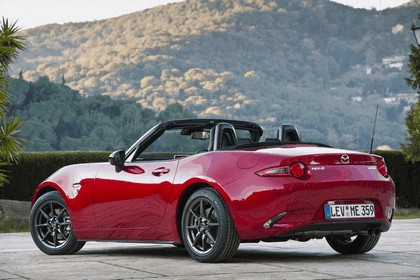 2015 Mazda MX-5 - UK version 50