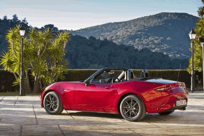 2015 Mazda MX-5 - UK version 51