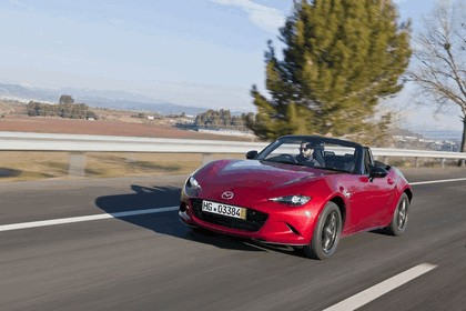 2015 Mazda MX-5 - UK version 58