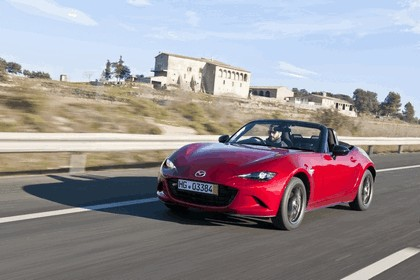 2015 Mazda MX-5 - UK version 60