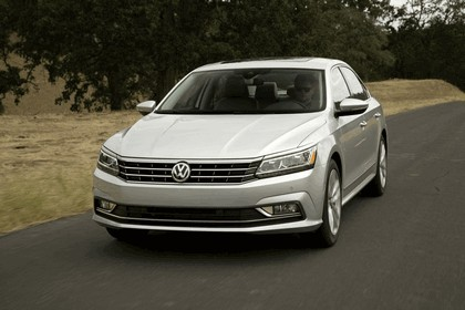 2016 Volkswagen Passat - USA version 12