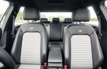 2015 Volkswagen Passat R-Line - UK version 11