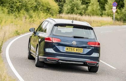 2015 Volkswagen Passat Estate R-Line - UK version 9