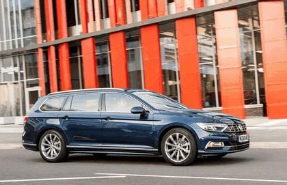 2015 Volkswagen Passat Estate R-Line - UK version 10