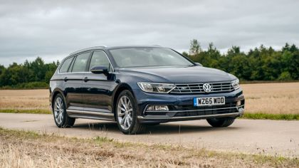2015 Volkswagen Passat Estate R-Line - UK version 1