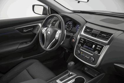 2016 Nissan Altima SR 12