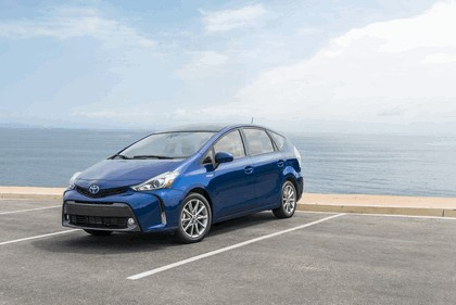 2016 Toyota Prius v 1