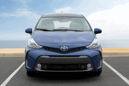 2016 Toyota Prius v 4
