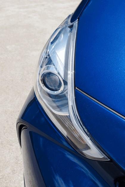 2016 Toyota Prius v 13
