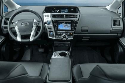 2016 Toyota Prius v 19