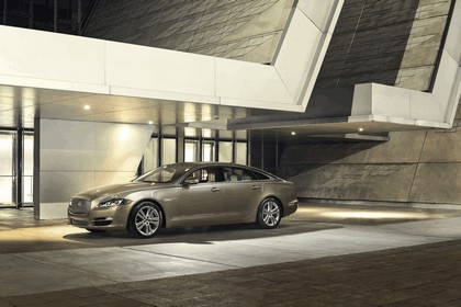 2015 Jaguar XJ Portfolio 1