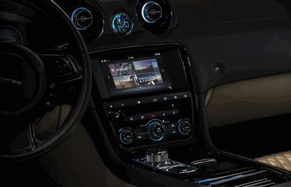 2015 Jaguar XJ Portfolio 15