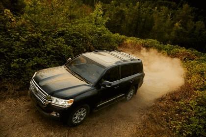 2016 Toyota Land Cruiser 1