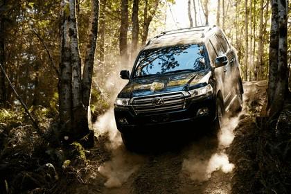 2016 Toyota Land Cruiser 4