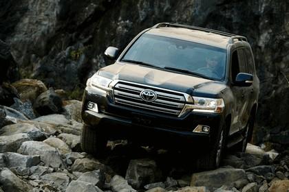 2016 Toyota Land Cruiser 6