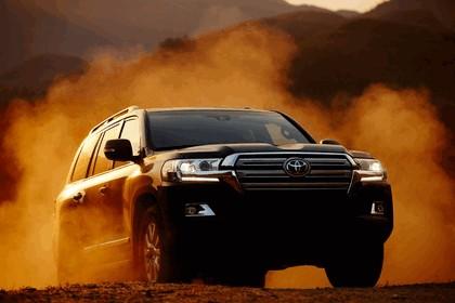 2016 Toyota Land Cruiser 7