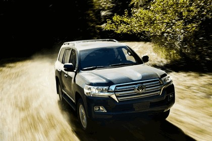 2016 Toyota Land Cruiser 13