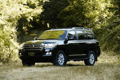 2016 Toyota Land Cruiser 16