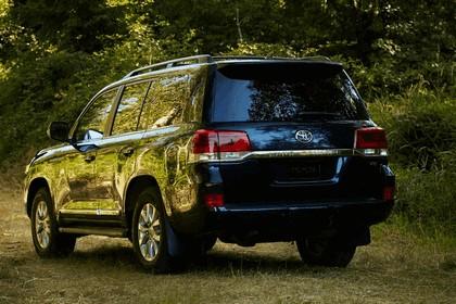 2016 Toyota Land Cruiser 18