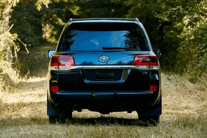 2016 Toyota Land Cruiser 21