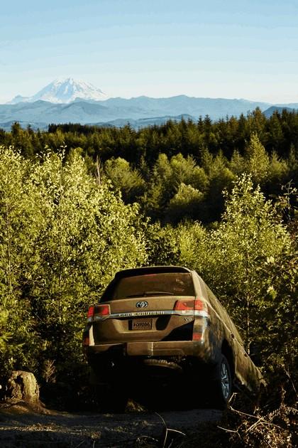 2016 Toyota Land Cruiser 27