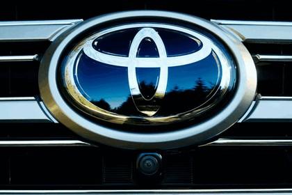 2016 Toyota Land Cruiser 38