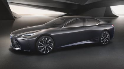 2015 Lexus LF-FC concept 2