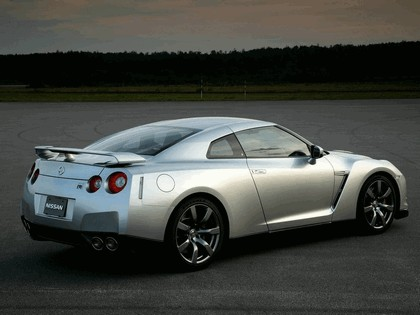 2007 Nissan GT-R 6