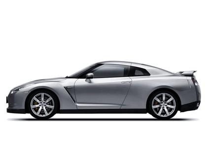 2007 Nissan GT-R 21