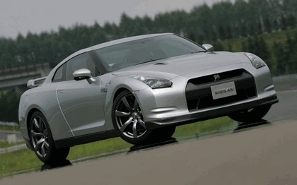 2007 Nissan GT-R 66
