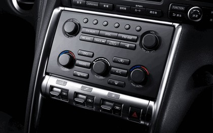 2007 Nissan GT-R 104