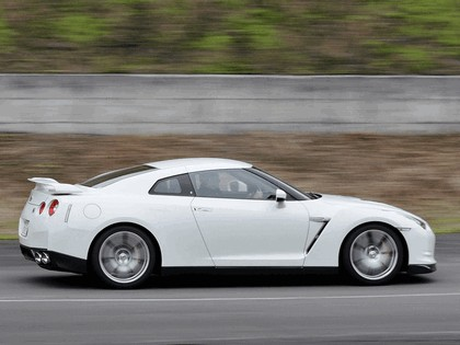 2007 Nissan GT-R 166